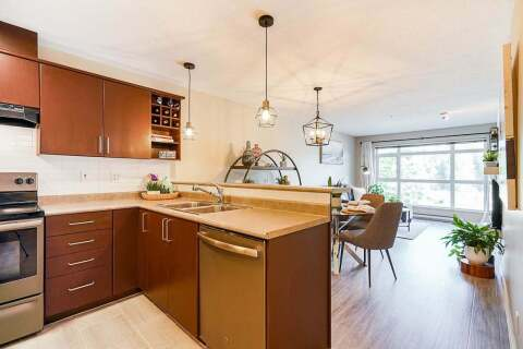 Condo for sale at 3142 St Johns St Unit 212 Port Moody British Columbia - MLS: R2487997