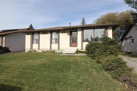 House for sale at 212 Cedarwood Rd Southwest Calgary Alberta - MLS: C4273490