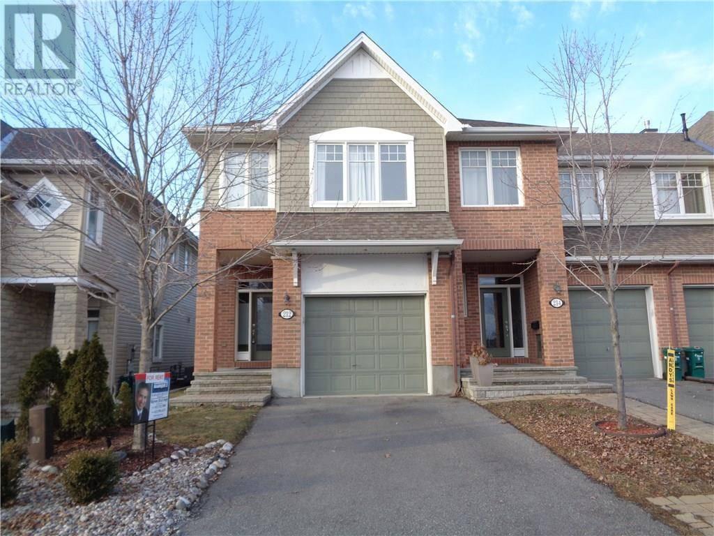 212 Espin Heights, Ottawa   Image 1