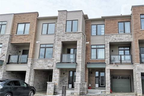 Townhouse for rent at 212 Vivant St Newmarket Ontario - MLS: N4453251