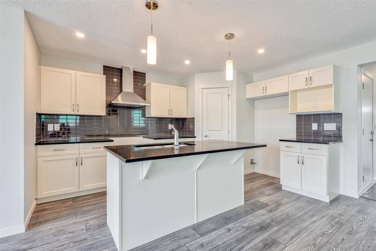 Townhouse for sale at 2124 52 St Sw Edmonton Alberta - MLS: E4143113