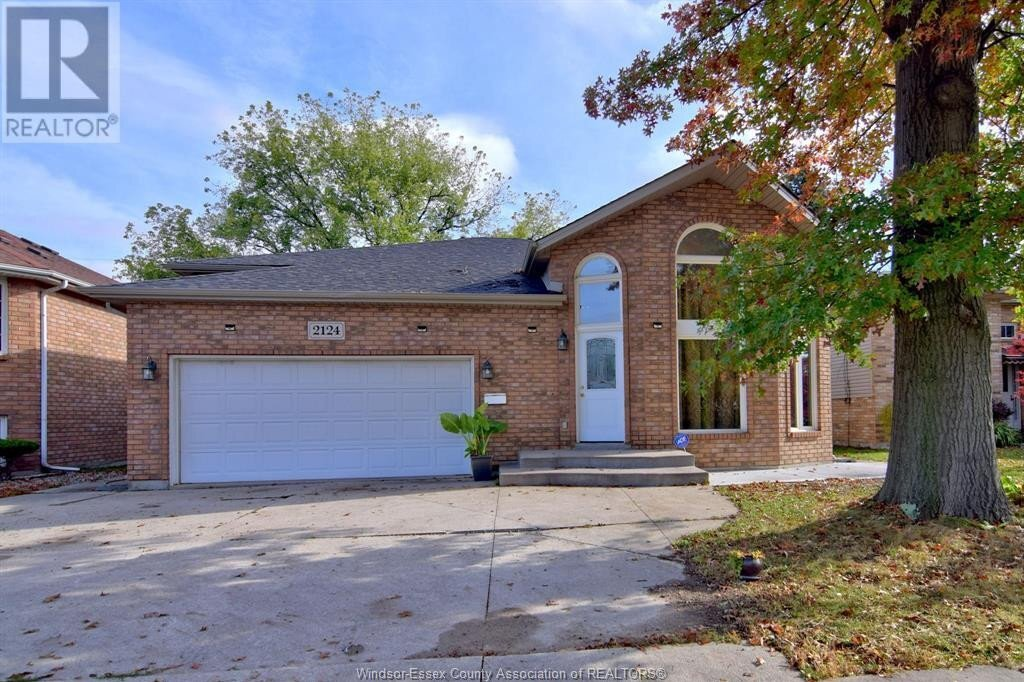 House for sale at 2124 Dominion  Windsor Ontario - MLS: 20015364