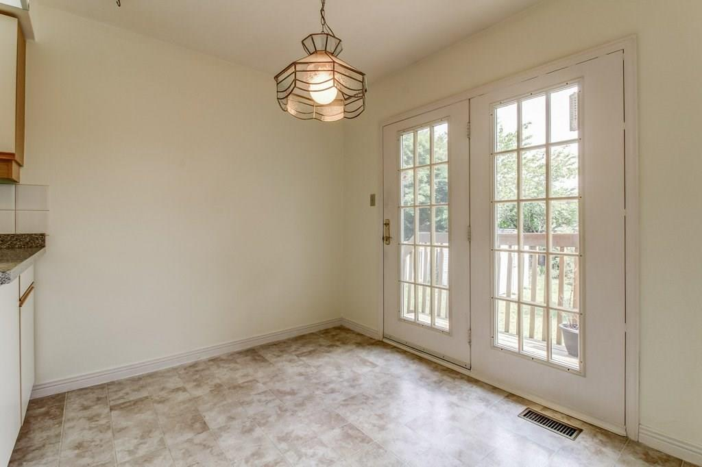 For Sale: 2125 Chrisdon Road, Burlington, ON | 2 Bed, 2 Bath House for $619,900. See 26 photos!