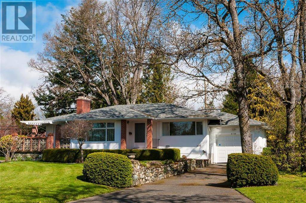 House for sale at 2126 Lansdowne Rd Victoria British Columbia - MLS: 416808