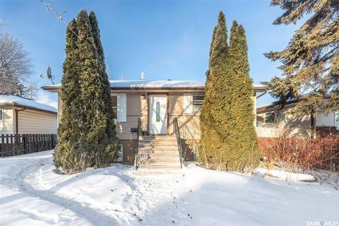 House for sale at 2126 St Charles Ave Saskatoon Saskatchewan - MLS: SK800347