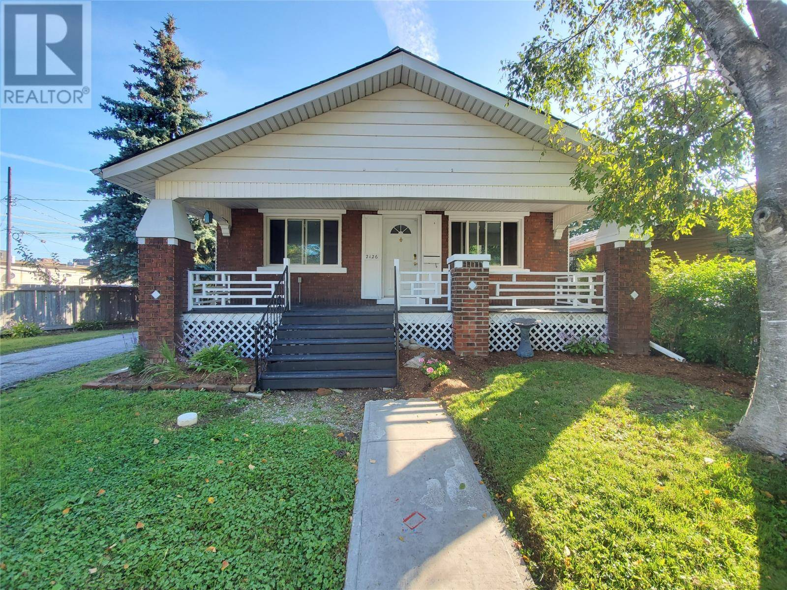 House for sale at 2126 York  Windsor Ontario - MLS: 19025596