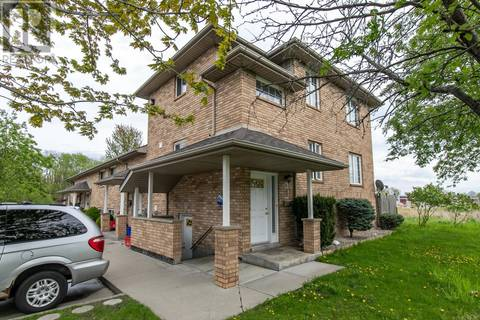 Townhouse for sale at 2128 Daytona  Windsor Ontario - MLS: 19017938