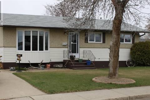 House for sale at 2129 101st Cres North Battleford Saskatchewan - MLS: SK756998