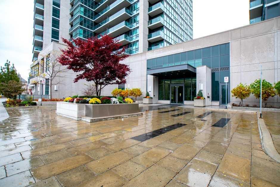 Scenic On Eglinton Condos Condos: 35 Brian Peck Crescent, Toronto, ON