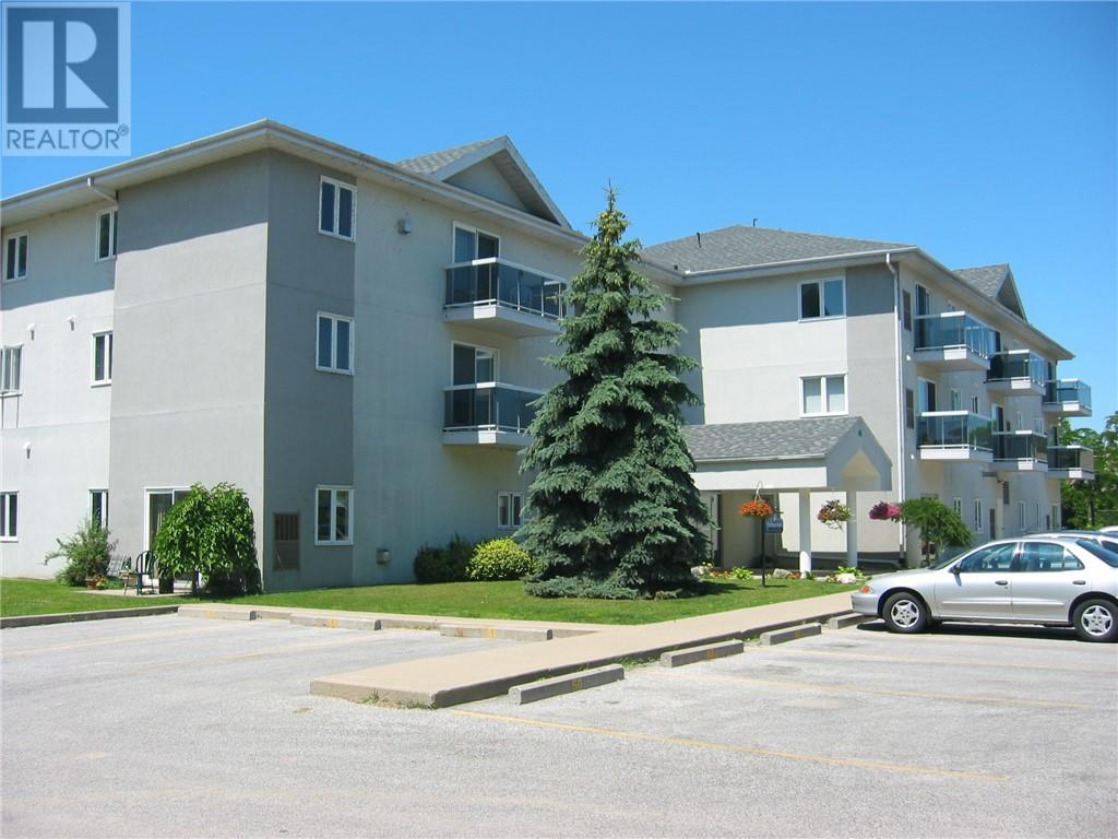 For Sale: 44 Robson Unit, Leamington, ON | 2 Bed, 2 Bath Condo for $149,900. See 14 photos!