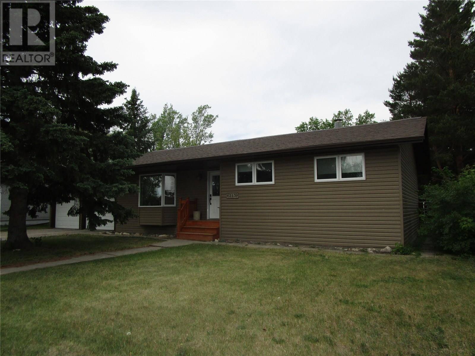 House for sale at 213 9th St E Wynyard Saskatchewan - MLS: SK775981