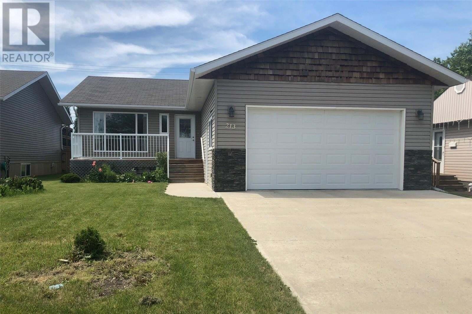 House for sale at 213 9th St Humboldt Saskatchewan - MLS: SK816985
