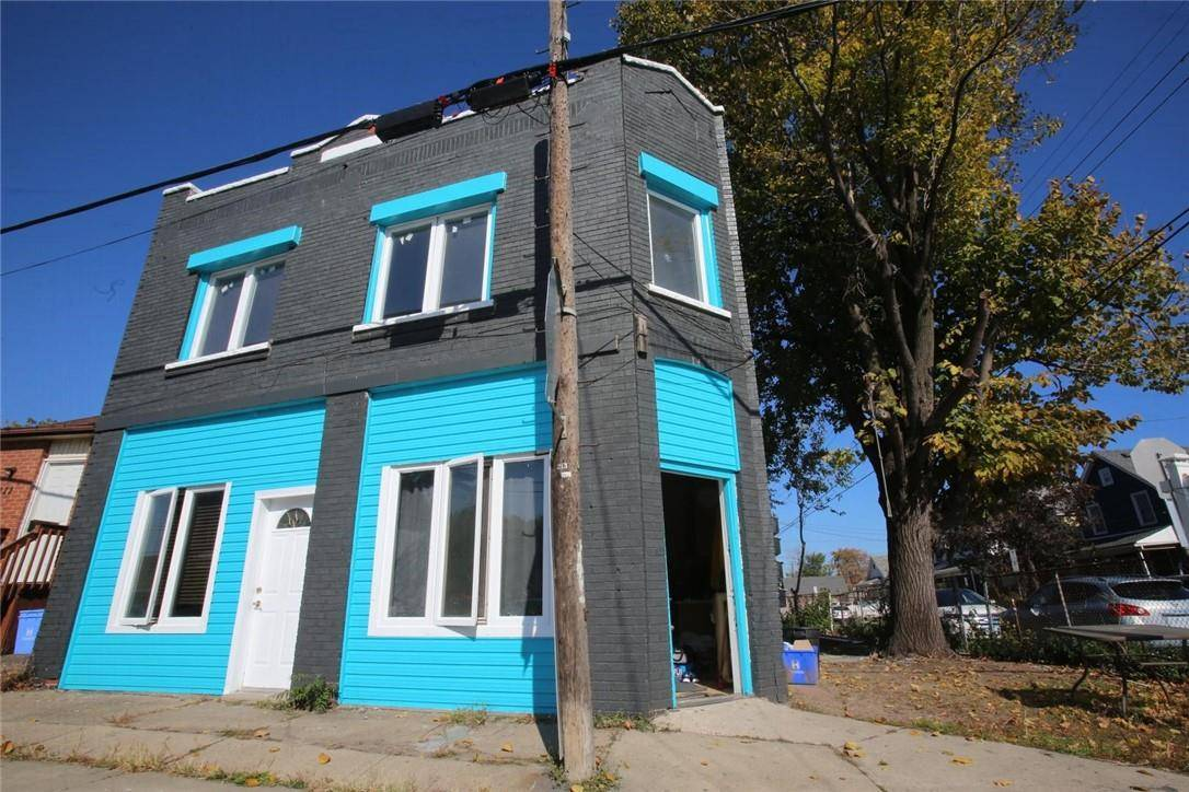 House for sale at 213 Beach Rd Hamilton Ontario - MLS: H4068703