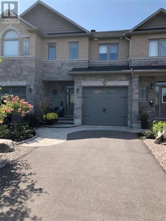 Townhouse for sale at 213 Gossamer St Orleans Ontario - MLS: 1187132