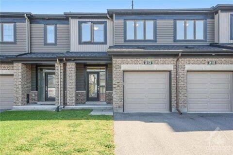 Property for rent at 213 Kimpton Dr Ottawa Ontario - MLS: 1220446