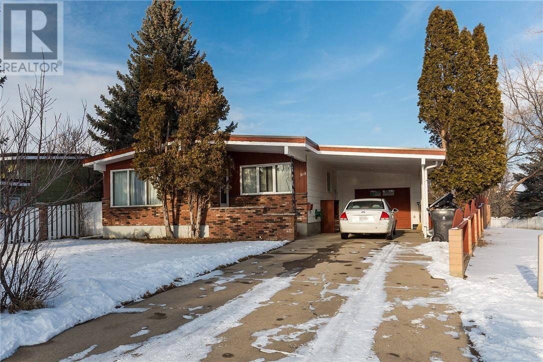 House for sale at 213 Laval Blvd W Lethbridge Alberta - MLS: ld0185588
