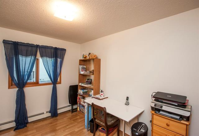 For Sale: 2130 22 Avenue, Didsbury, AB   3 Bed, 2 Bath House for $399,900. See 50 photos!
