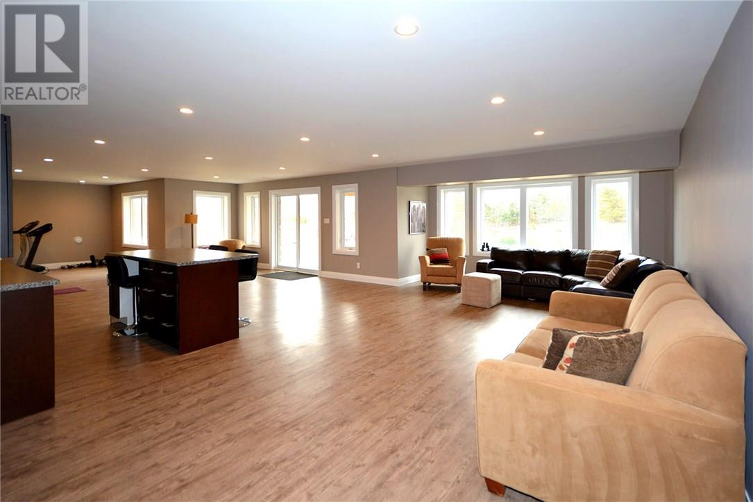 For Sale: 21395 Nissouri Road, Thorndale, ON | 4 Bed, 3 Bath House for $1,150,000. See 43 photos!