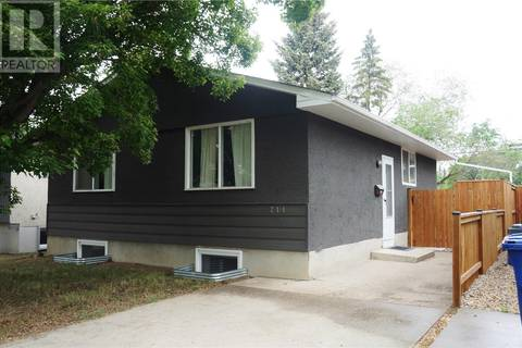 House for sale at 214 113th St W Saskatoon Saskatchewan - MLS: SK776808