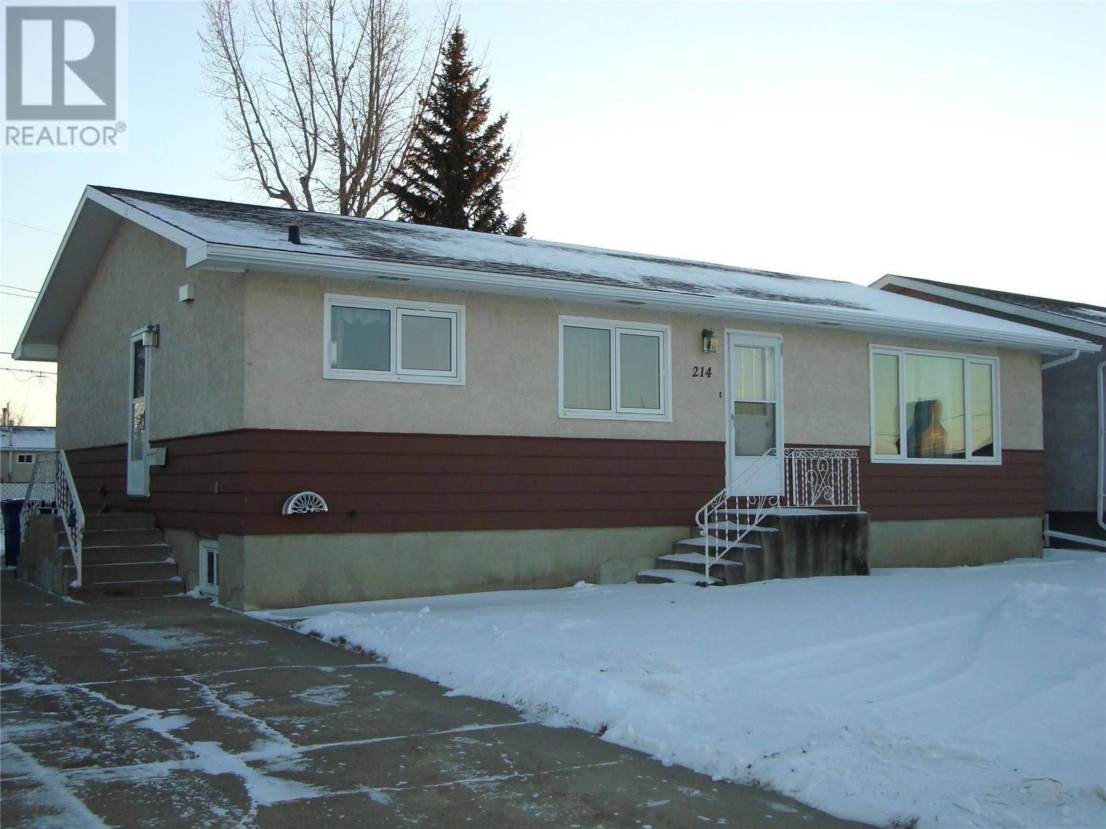 House for sale at 214 6th Ave E Gravelbourg Saskatchewan - MLS: SK793743