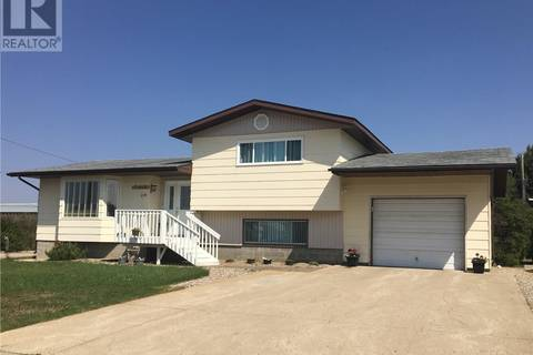 House for sale at 214 7th St S Wakaw Saskatchewan - MLS: SK773546