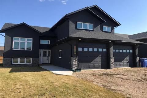 House for sale at 214 Elizabeth St Melfort Saskatchewan - MLS: SK797230
