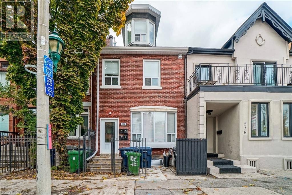 Townhouse for sale at 214 Gerrard St East Toronto Ontario - MLS: 40039801