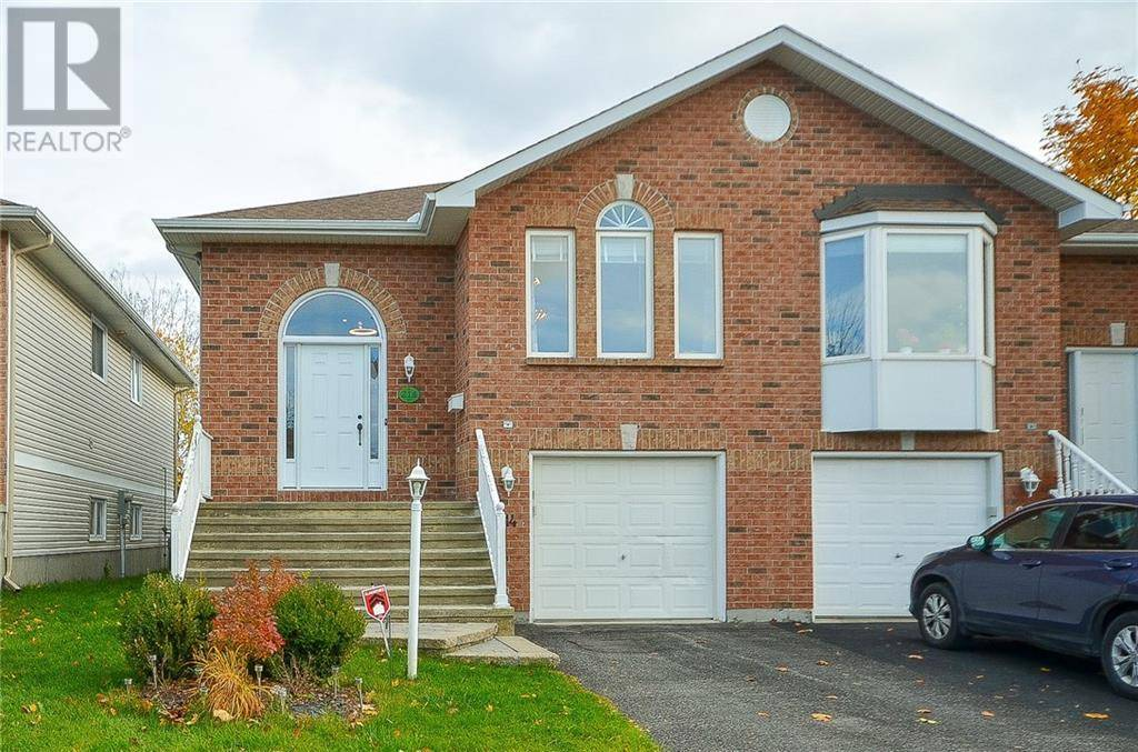 House for sale at 214 Mountshannon Dr Ottawa Ontario - MLS: 1174157