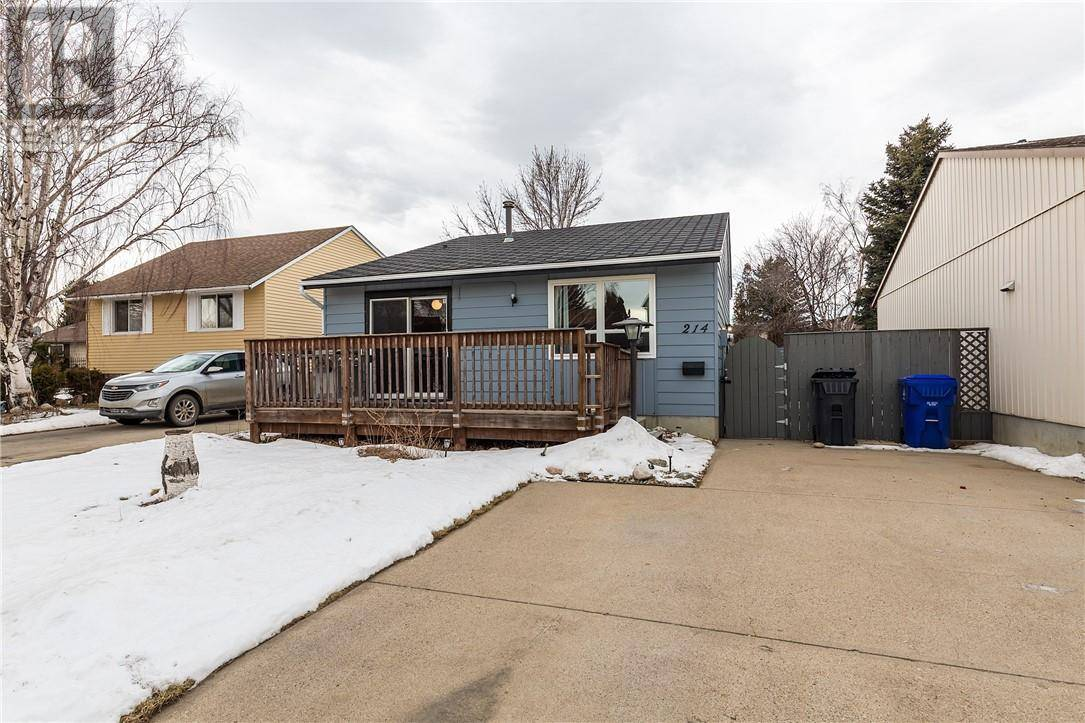 House for sale at 214 Stafford By N Lethbridge Alberta - MLS: ld0185070
