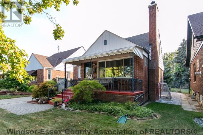 Removed: 2141 Moy Avenue, Windsor, ON - Removed on 2017-08-18 22:01:57