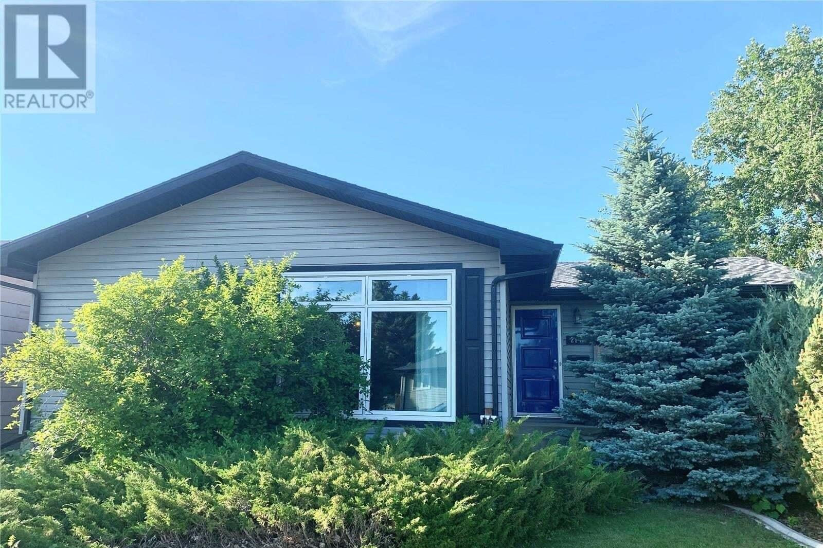 House for sale at 2145 101st Cres North Battleford Saskatchewan - MLS: SK815111