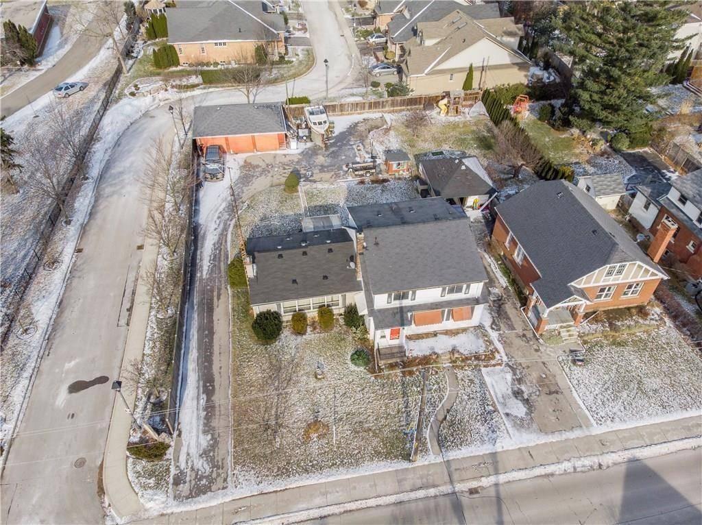 Home for sale at 2149 Caroline St Burlington Ontario - MLS: H4061529