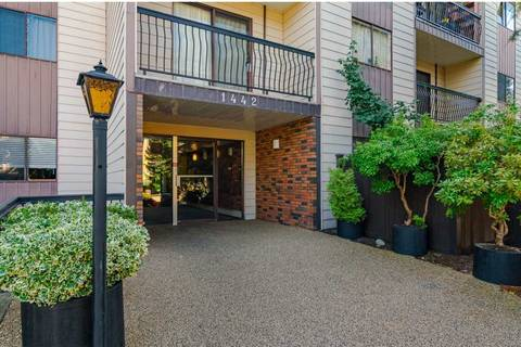 Condo for sale at 1442 Blackwood St Unit 215 White Rock British Columbia - MLS: R2401857
