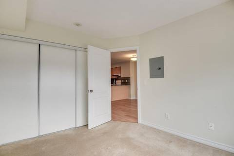 Condo for sale at 15 North Park Rd Unit 215 Vaughan Ontario - MLS: N4386961