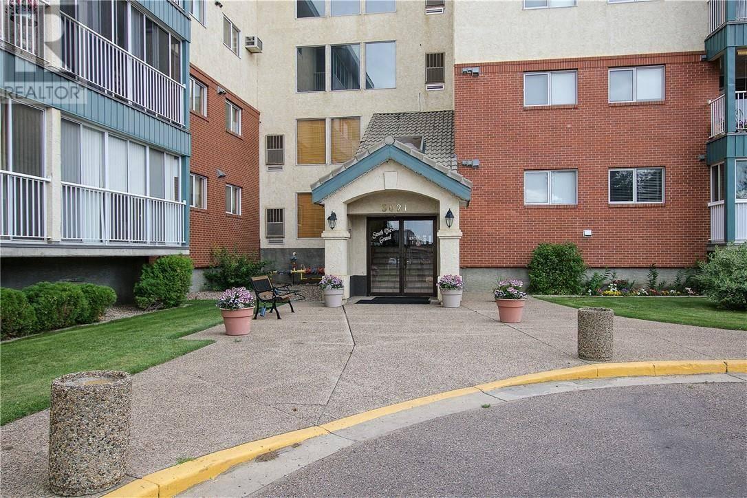 Condo for sale at 3021 13 Ave Se Unit 215 Medicine Hat Alberta - MLS: mh0186832