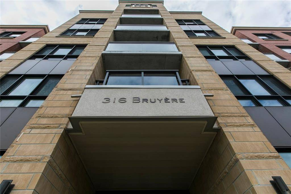 Condo for sale at 316 Bruyere St Unit 215 Ottawa Ontario - MLS: 1167563