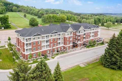 Residential property for sale at 40 Horseshoe Blvd Unit 215 Oro-medonte Ontario - MLS: 266194