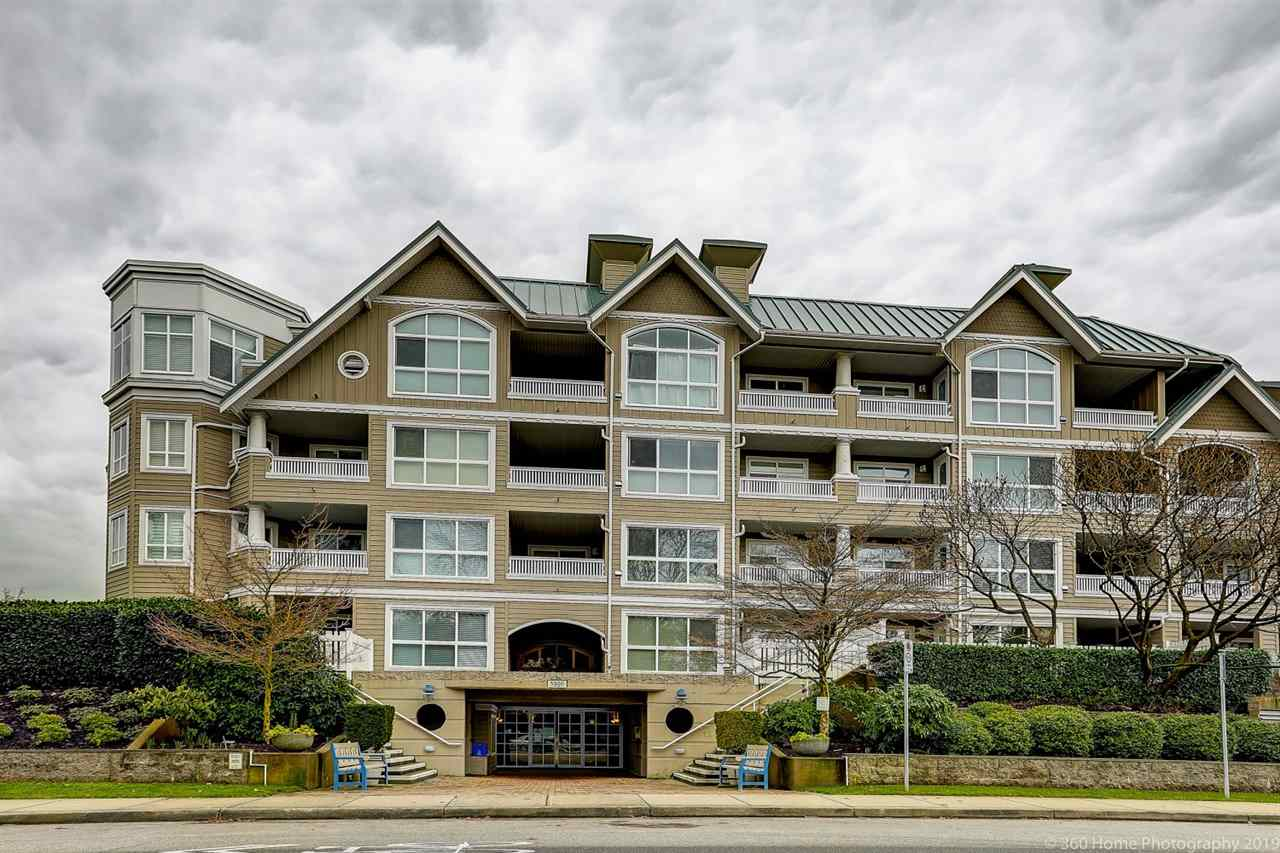 Buliding: 5500 Lynas Lane, Richmond, BC