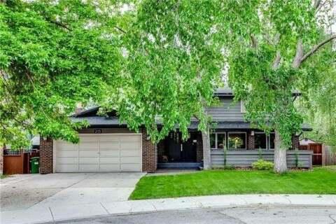 House for sale at 215 Canova Pl Southwest Calgary Alberta - MLS: C4302357