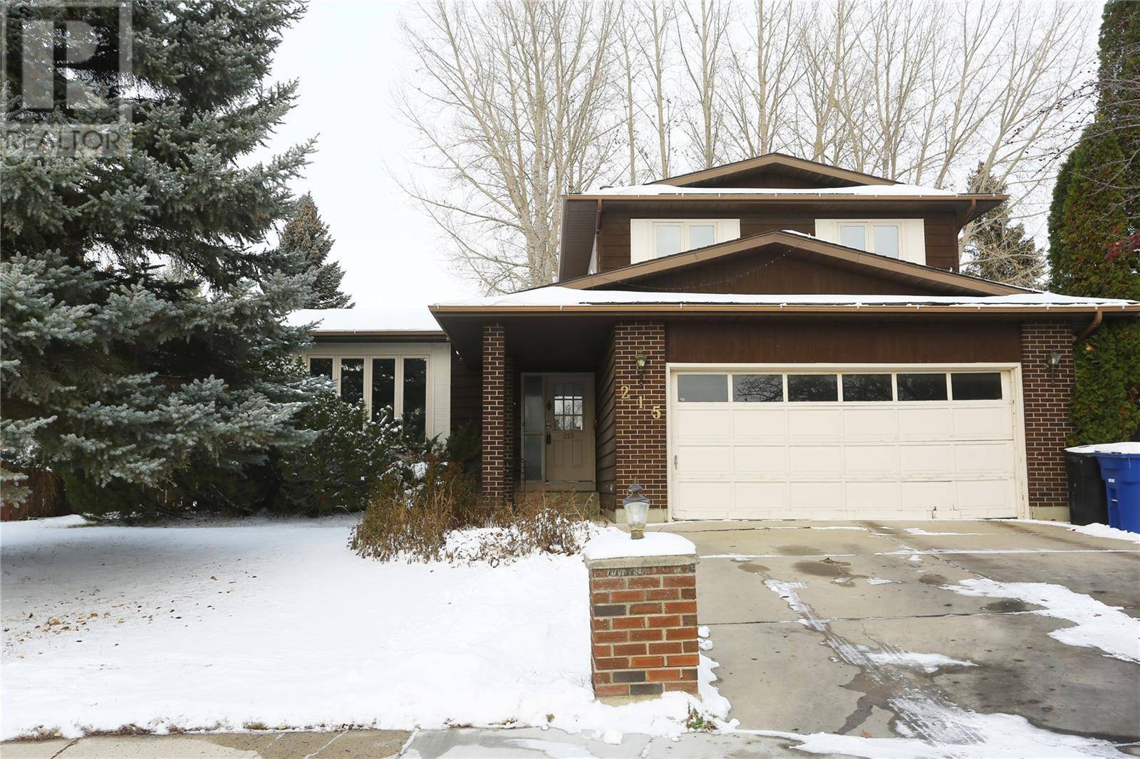 House for sale at 215 Coldspring Ri Saskatoon Saskatchewan - MLS: SK793803