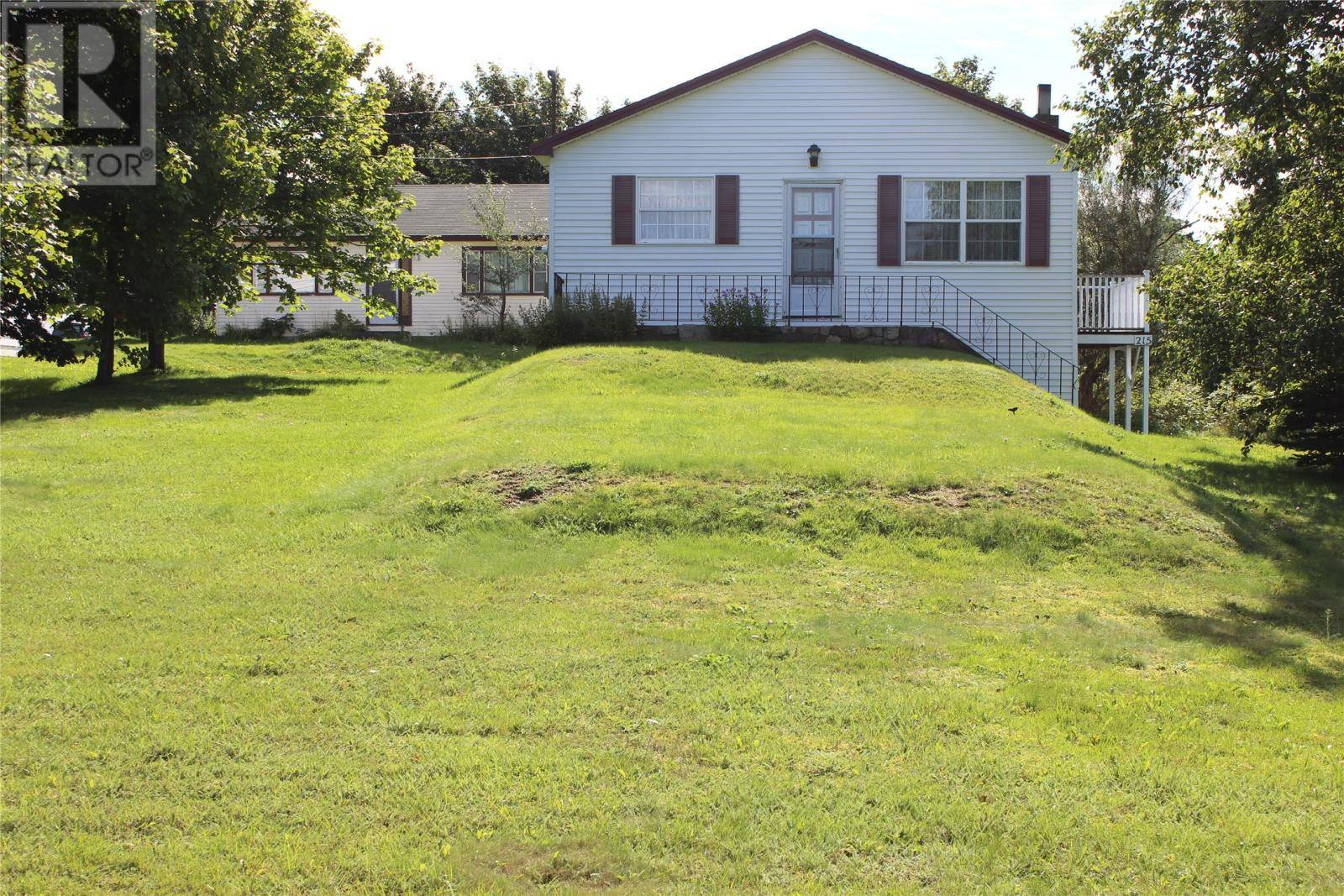 Home for sale at 215 Conception Bay Hy Conception Bay South Newfoundland - MLS: 1211962