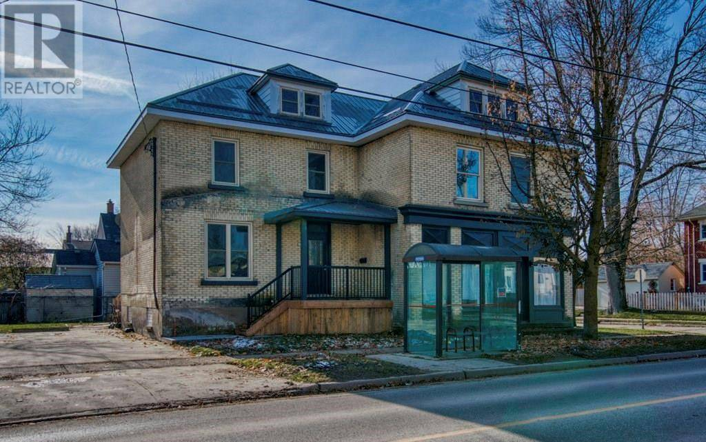 Townhouse for sale at 215 Douro St Stratford Ontario - MLS: 30779078