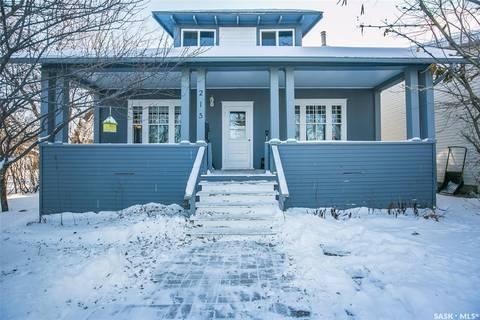 House for sale at 215 Dunlop St Saskatoon Saskatchewan - MLS: SK797091