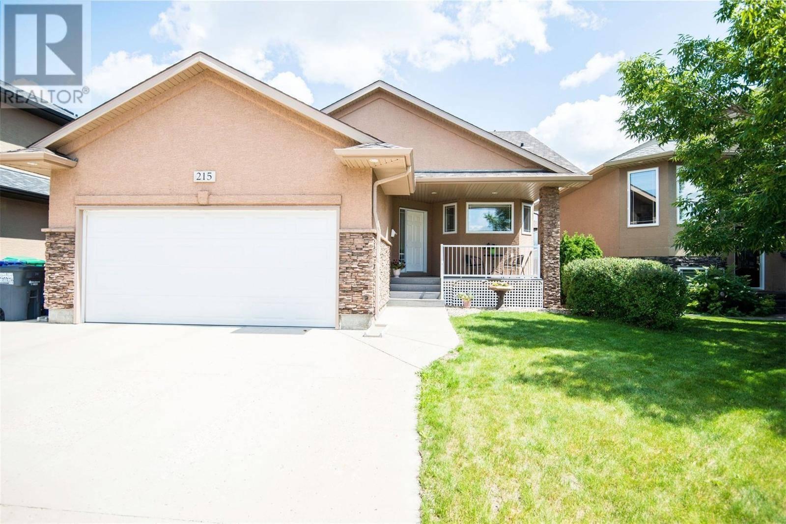 House for sale at 215 Fawcett Cres Saskatoon Saskatchewan - MLS: SK783335