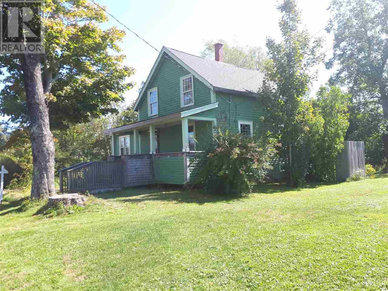 House for sale at 215 Main St Berwick Nova Scotia - MLS: 201922591