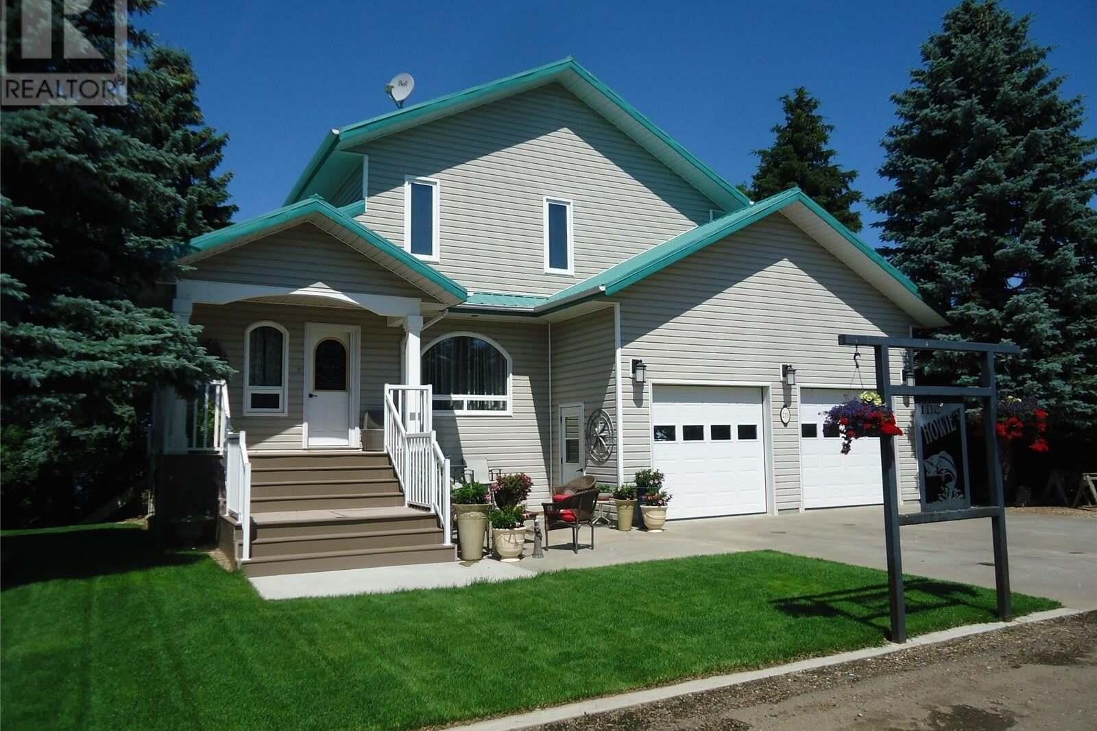 House for sale at 215 Sunset By Estevan Saskatchewan - MLS: SK810225