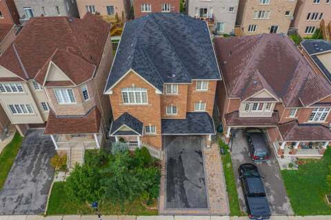 House for sale at 215 Woodspring Ave Newmarket Ontario - MLS: N4899050