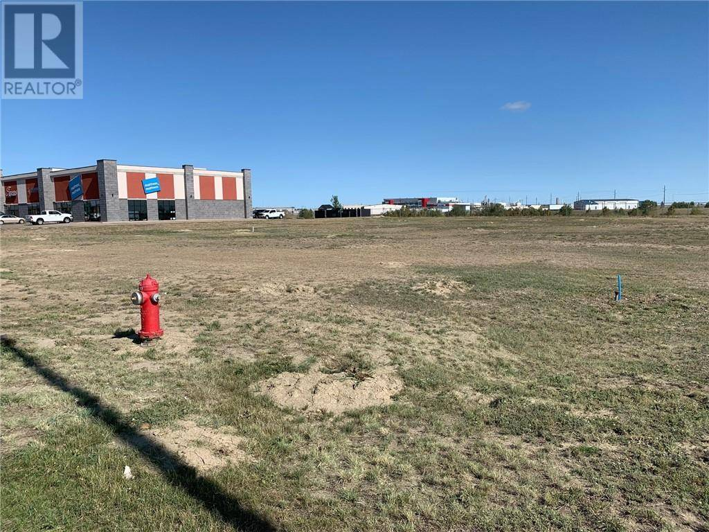 Residential property for sale at 2151 Box Springs Blvd Northwest Medicine Hat Alberta - MLS: mh0177821