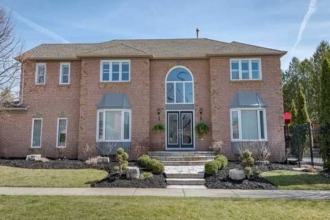 House for sale at 2152 Oak Bliss Cres Oakville Ontario - MLS: W4421043