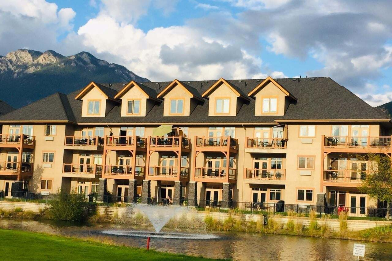 Condo for sale at 200 Bighorn Blvd Unit 216 Radium Hot Springs British Columbia - MLS: 2454764